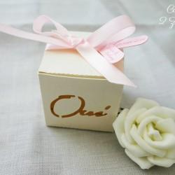 boite oui ivoire irisé rose