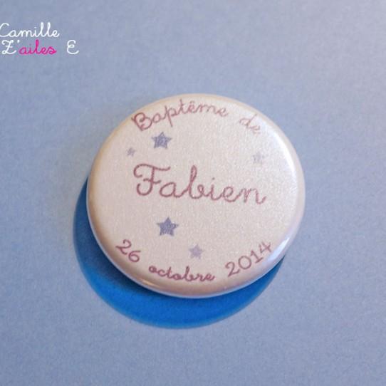 badge magnet 32 étoile bleu lavande violine
