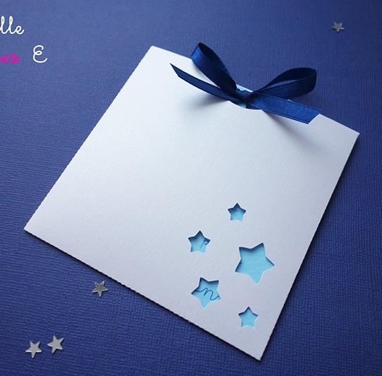 faire-part pochette carré étoile blanc irisé bleu clair nuit 1