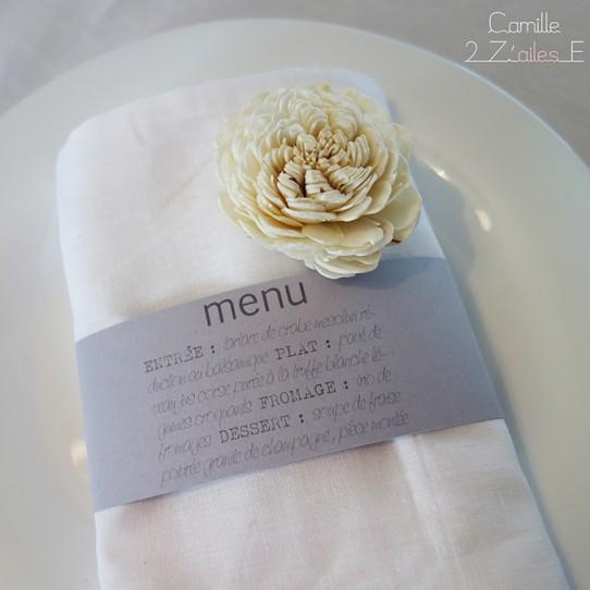 menu rond serviette vintage gris