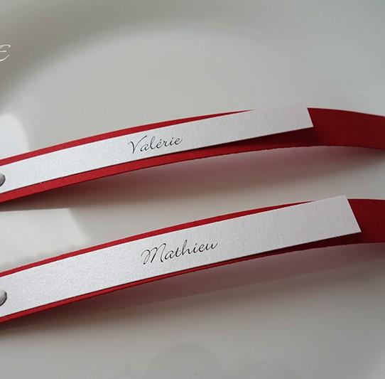 marque-place infini rouge blanc irisé 3