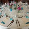 deco-table-ivoire-bleu-bermude-rose-1