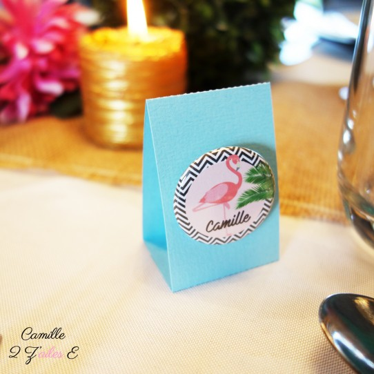 marque-place-badge-flamant-rose-tropical-1bis