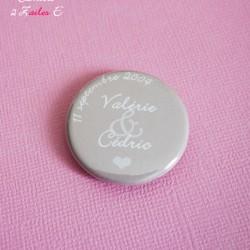 badge magnet 32 prénoms mariés coeur beige