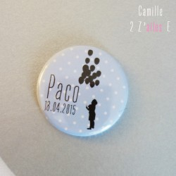 badge magnet 32 bleu pois blanc enfant ballon noir