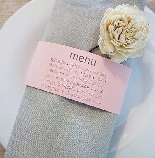 menu rond serviette vintage rose