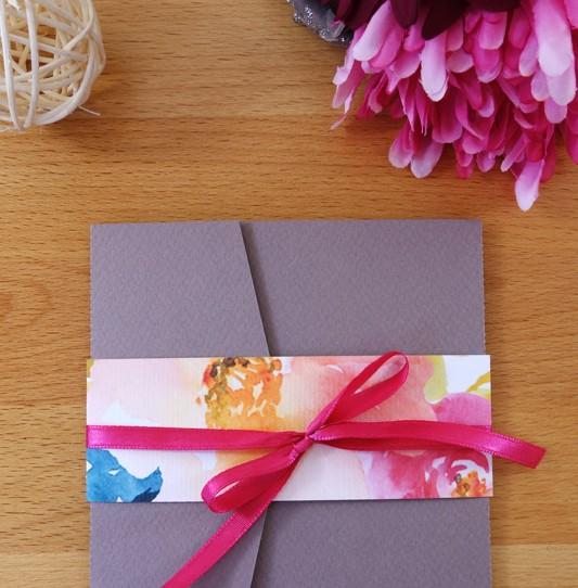 faire-part-pochette-cartons-fleuri-taupe-1