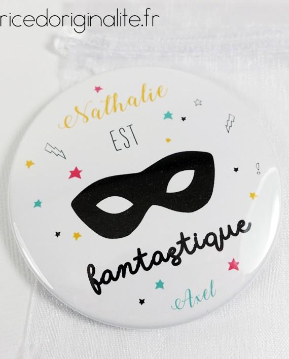 badge magnet miroir remerciement maîtresse atsem nounou hero fantastique